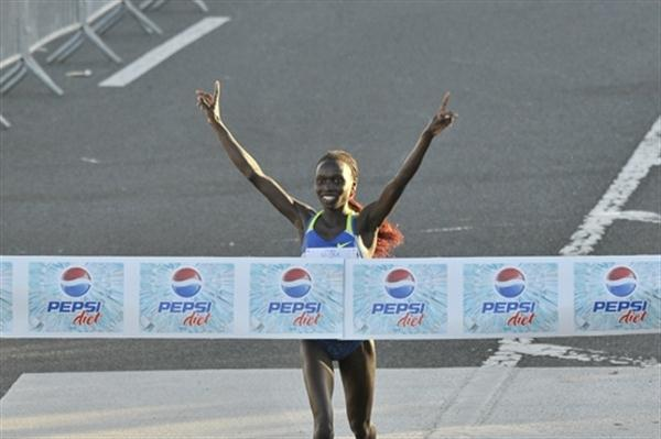 Vivian Cheruiyot, pictured here in 2009, defended her San Juan 10K crown in 2010 (Rafael Luna)