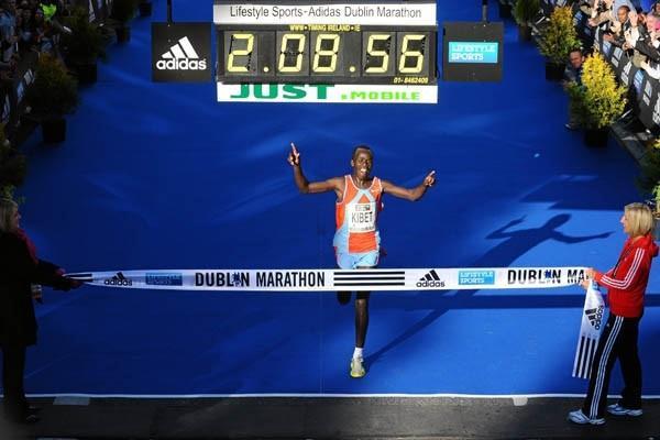 Moses Kangogo Kibet wins the 2010 Dublin marathon (Lifestyle Sports - adidas Dublin Marathon 2010)