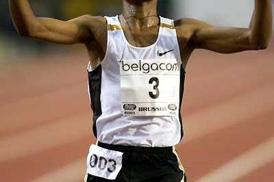 kenenisa Bekele salutes World 10,000m record in Brussels (Getty Images)