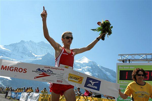 Markus Hohenwarter wins the men's 2012 World Long Distance Mountain Running Challenge  (swiss-images.ch)