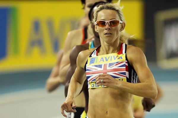 British 800m runner Jenny Meadows on her way to victory in Glasgow (Getty Images)