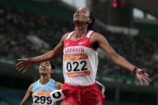 Mimi Belete of Bahrain wins the women's 5000m at the 2010 Asian Games (Getty Images)