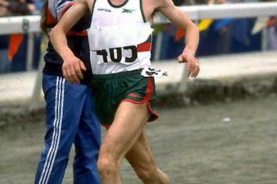 Carlos Lopes (POR) - 1984 World XC (Getty Images)