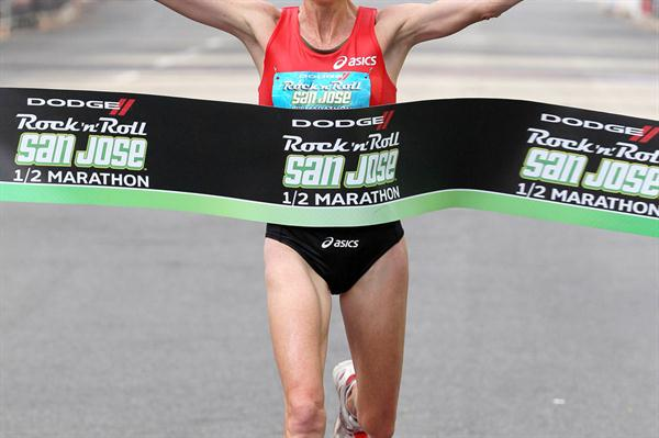 Deena Kastor continues her comeback with a win at the San Jose Half Marathon (Victah Sailer)