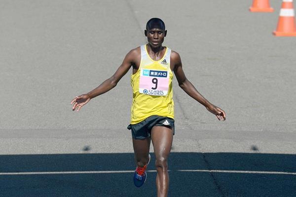 Michael Kipyego finishing second at the 2013 Tokyo Marathon (Organisers / Victah Sailer)