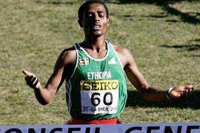 Kenenisa Bekele completes his four consecutive World Cross double - men's long race (Getty Images)