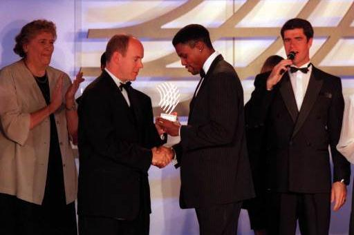 Carl Lewis receiving Athlete of the Century award (Getty Images)