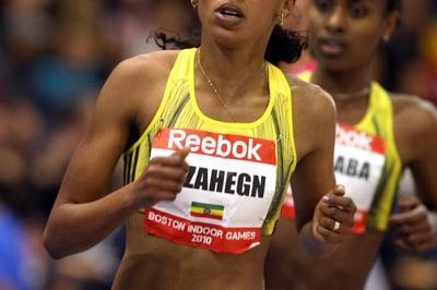 Kalkidan Gezahegn en route to her upset victory in the Boston 3000m (Victah Sailer)