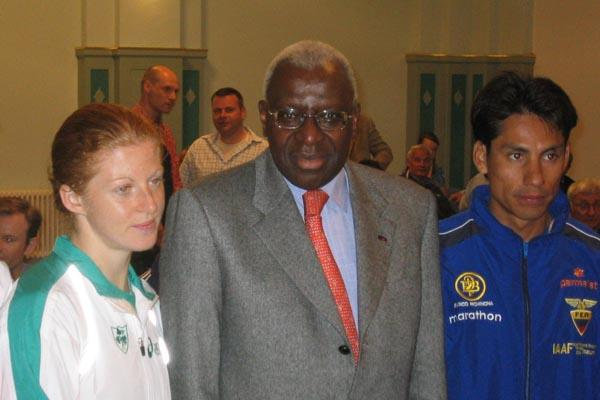 President Lamine Diack with Jefferson Perez and Gillian O'Sullivan in Naumburg (IAAF)