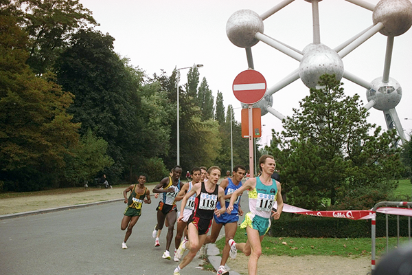 Vincent Rousseau (119) on his way to winning the 1993 world half-marathon title (Getty Images)