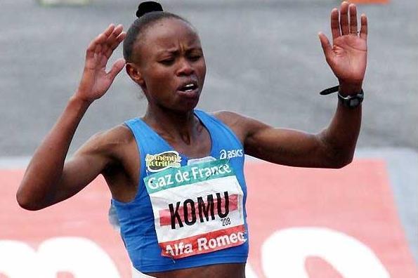 Martha Komu wins the women's race at the 2008 Paris Marathon (AFP / Getty Images)