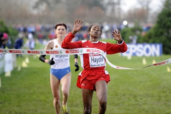 Turkey's Sultan Haydar wins the U23 title in Dublin at the 2009 European XC champs (Hans Sjögren)