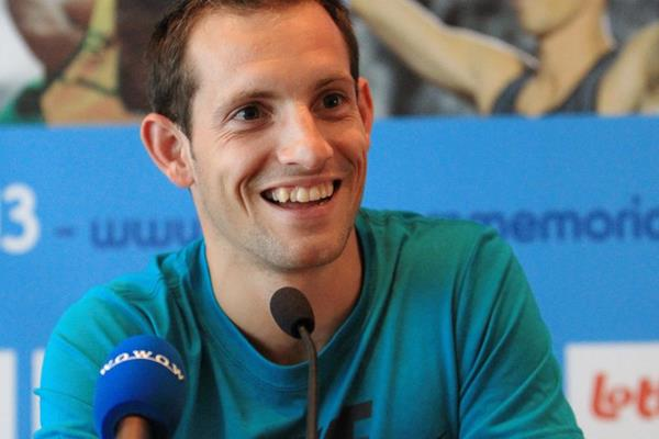 Renaud Lavillenie at the press conference ahead of the 2013 IAAF Diamond League final in Brussels (Jean-Pierre Durand)