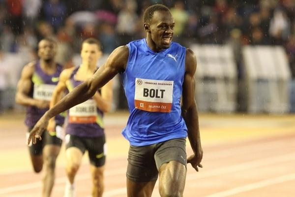 Usain Bolt just shy of the 300m World best in Ostrava (www.graf.cz)