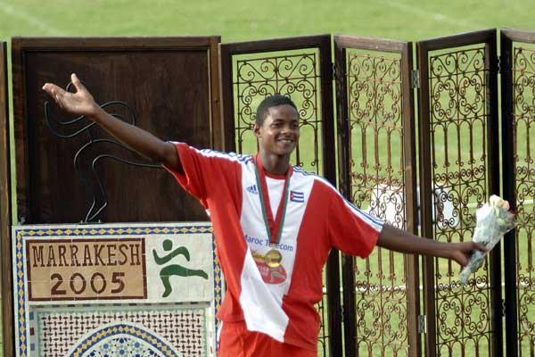 Yordanis Garcia celebrates his gold medal (IAAF)