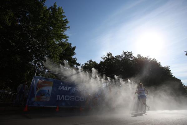 DAY4 (13/08/2013): 20 Kilometres Race Walk, Women Final (EOS-1D X + EF17-40mm F4L USM, F5.6, 1/1600sec., ISO200) (Jun Tsukida)