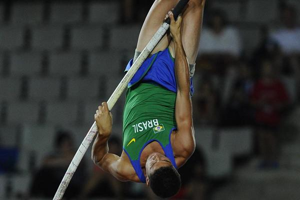 Thiago Braz Da Silva of Brazil jumping for winning the gold medal on the Men's Pole Vault Final on the day three of the 14th IAAF World Junior Championships  in Barcelona on 12 July  2012 (Getty Images)