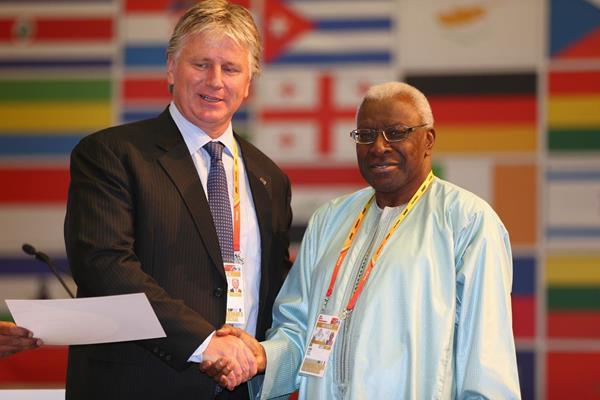 Geoff Gardner receives an IAAF Veteran Pin at the 49th IAAF Congress in Moscow (IAAF)