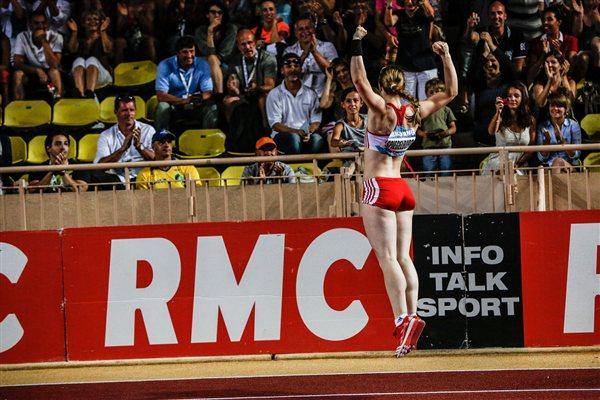 Silke Spiegelburg celebrates her 4.82m national record in Monaco (Philippe Fitte)