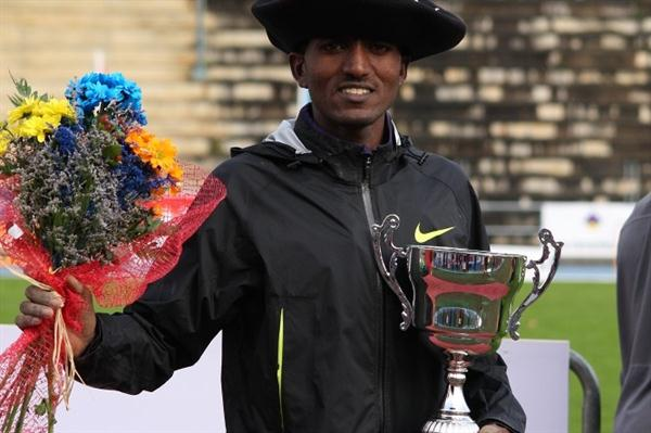 Teklemariam Medhin after his victory in Llodio (Alfambra Fundación ANOC)