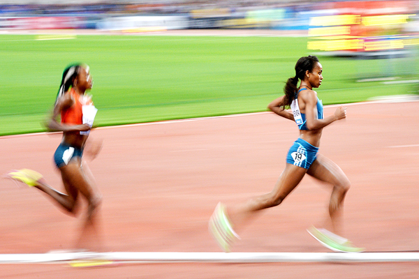 Genzebe Dibaba on her way to another IAAF Diamond League victory (AFP / Getty Images)
