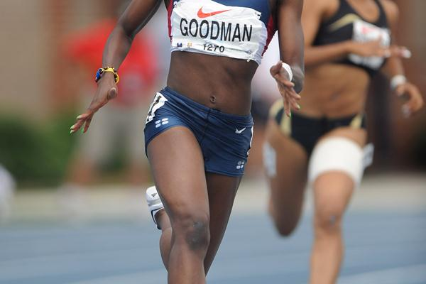 Chalonda Goodman en route to her first sub-23 in Greensboro (Kirby Lee)
