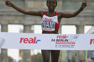 Gete Wami successfully defends in Berlin (Bongarts)