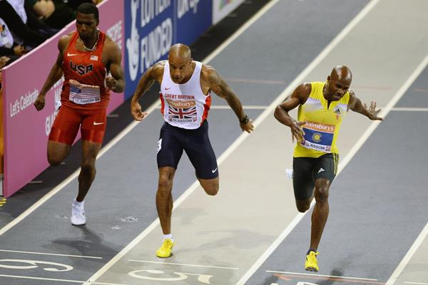 Kim Collins takes the 150m in Glasgow (Getty Images)