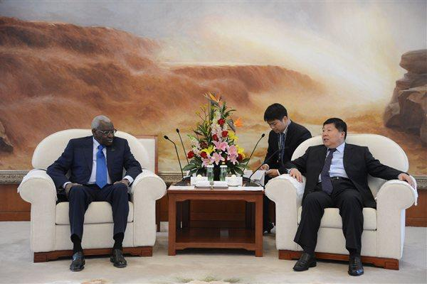 President Diack meets Xu Bin, the Chairman of the Supervisory Board of Sinopec (IAAF)