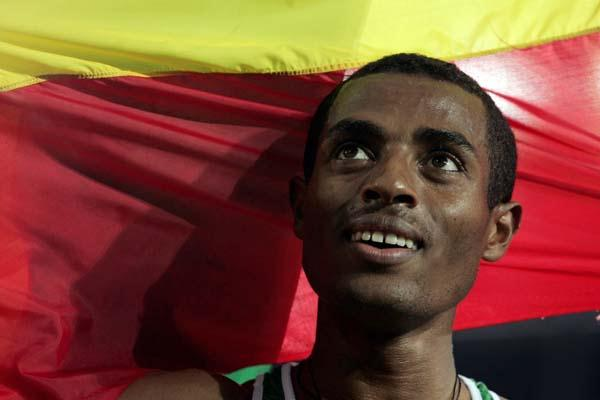 A portrait of Kenenisa Bekele after winning gold in the men's 10,000m final (Getty Images)