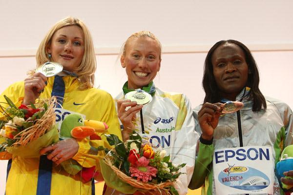 Women's 800m medallists: Tetyana Petlyuk, Tamsyn Lewis, Maria Mutola (Getty Images)