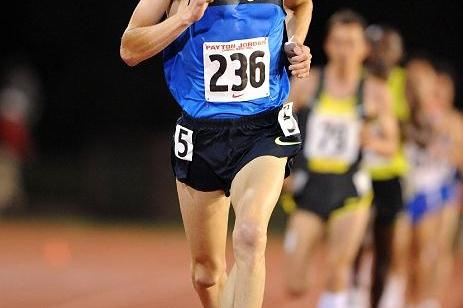 Craig Mottram on his way to 10,000m PB at Stanford (Kirby Lee)