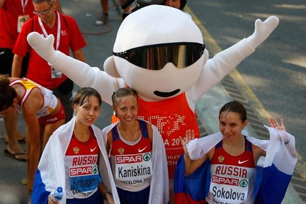 Russian 20Km Race Walk podium sweep in Barcelona: silver medallist Anisya Kirdyapkina, winner Olga Kaniskina and Vera Sokolova, the bronze medallist (Getty Images)