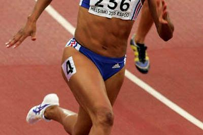 Christine Arron of France in the 200m heats (Getty Images)