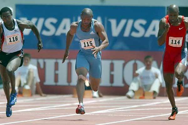 Maurice Greene (c) outsprints JJ Johnson (r) and Shawn Crawford (l) (Kirby Lee)