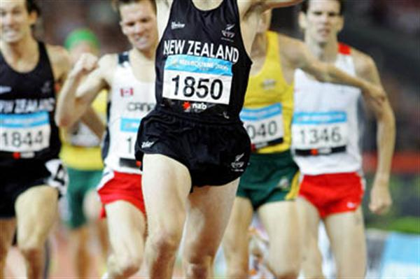 Nick Willis celebrates his 1500m gold - Melbourne 2006 (Getty Images)