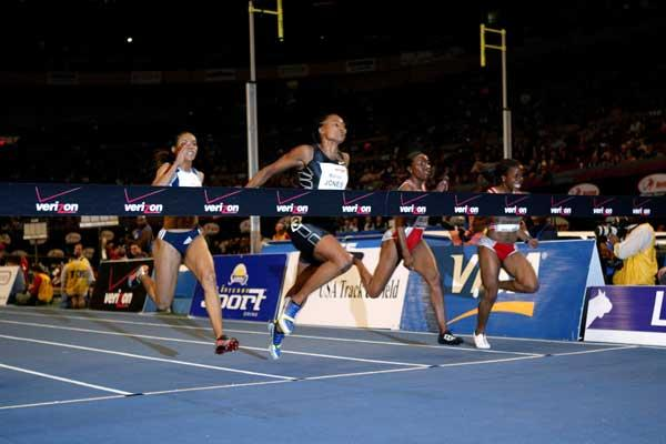 Marion Jones wins her comeback race at the New York Millrose Games (Victah Sailer)