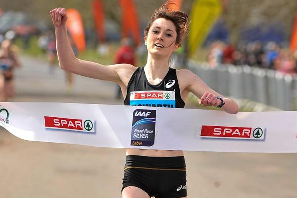 Lauren Howarth crosses the finish line to win the SPAR Great Ireland Run (Organisers)