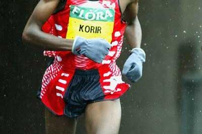 Sammy Korir running at the 2004 London Marathon (Getty Images)