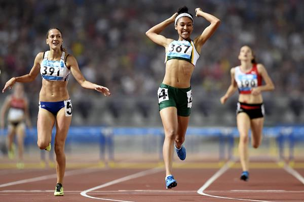 Gezelle Magerman wins the 400m hurdles at the Youth Olympic Games in Nanjing (YOG LOC)