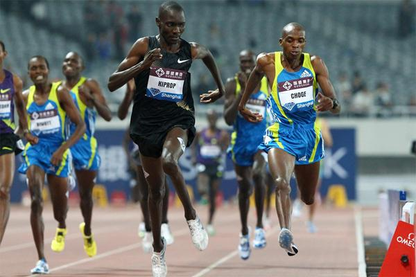 Augustine Choge (r) edges Asbel Kiprop by just 0.02 in the Shanghai 1500m (Errol Anderson)