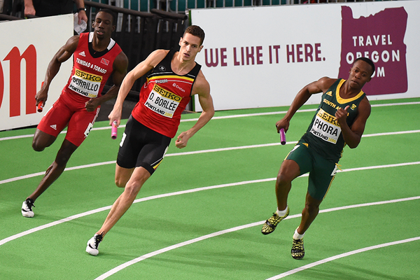 Dylan Borlee of Belgium leads the 4x400m heats at the IAAF World Indoor Championships Portland 2016 (AFP / Getty Images)