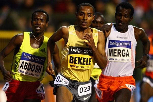 Kenenisa Bekele of Ethiopia kicks for home in the men's 5000m (Getty Images)