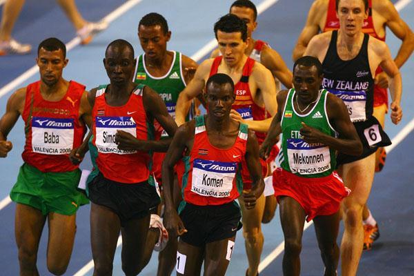 Daniel Komen and Deresse Mekonnen in the men's 1500m final (Getty Images)