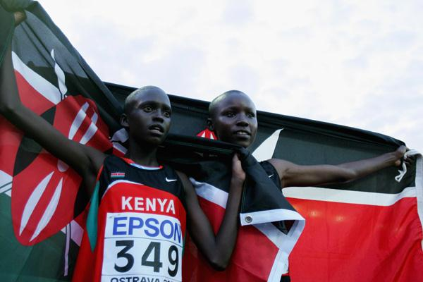 Mercy Cherono and Irine Chebet Cheptai show the Kenyan flag after the 3000m final (Getty Images)
