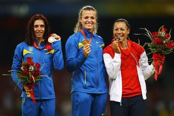 Fellow Ukrainians Natalya Dobrynska and Lyudmila Blonska take heptathlon gold and silver with USA's Hyleas Fountain in third (Getty Images)
