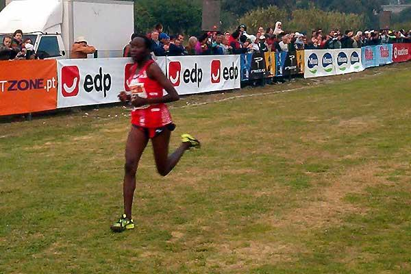 Alice Timbilil of Kenya wins in Oeiras (Costa)