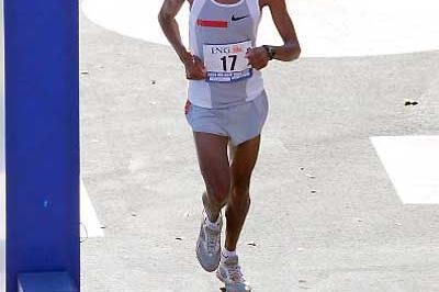 Hendrick Ramaala (RSA), the 2004 New York Marathon winner (Getty Images)