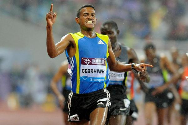 Hagos Gebhriwet collects an emphatic 5000m victory in Shanghai (Errol Anderson)