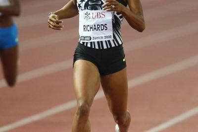 Olympic bronze medallist Sanya Richards sets a season's best in the 400m (Getty Images)